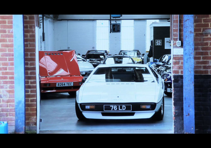 Supercar Sessions: Lotus Esprit makes an entrance